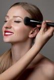 makeup Perfecte Huid Kosmetische poederborstel Perfecte huid royalty-vrije stock afbeeldingen