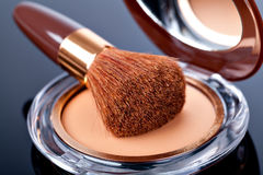 Makeup Powder and Brush Royalty Free Stock Photos