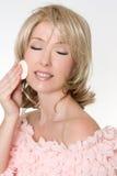 makeupborttagning Arkivfoton