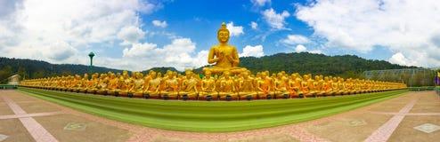 Makha布哈菩萨纪念公园的金黄菩萨 免版税库存图片