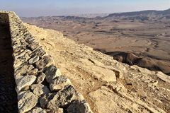 Makhtesh Ramon Crater and Cliff in the Negev Desert stock photography