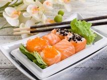 Maki de sakura del sushi Imagenes de archivo
