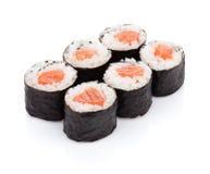 Maki de sushi avec des saumons Image libre de droits