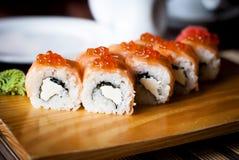 Maki Sushi - Broodje met zalm Royalty-vrije Stock Foto's