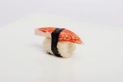 Maki Sushi på vit bakgrund Royaltyfri Foto
