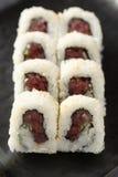 makien rullar kryddig tonfisk Arkivfoton