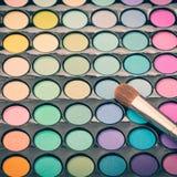 Makijażu oka cienia paleta z muśnięciem Zdjęcie Stock