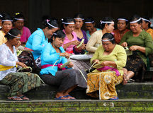 MAKING BALINESE OFFERINGS Royalty Free Stock Images