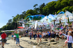 Making bubbles on the beach, Portmeirion Royalty Free Stock Photography