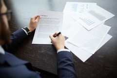 Making business agreement Royalty Free Stock Photos
