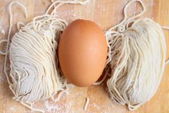 Making chinese noodle and egg Royalty Free Stock Photography