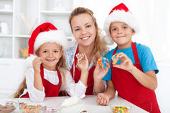 Making christmas cookies with the kids Royalty Free Stock Photos