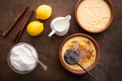 Making creme brulee traditionally Stock Photography