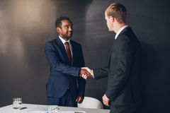 Making deals happen in the boardroom Royalty Free Stock Photos