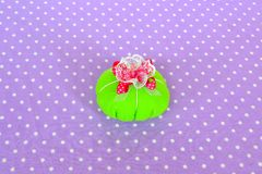 Making felt pin cushion. How to make a felt pin cushion, step-by-step. Simple sewing for kids. Hand sewing projects for beginners Stock Photos