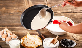 Making fresh crepes Royalty Free Stock Images