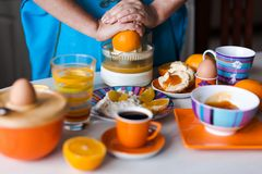 Making fresh orange juice Royalty Free Stock Images