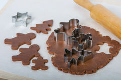 Making gingerbread christmas cookies Royalty Free Stock Photos