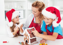 Making a gingerbread cookie house with the kids Royalty Free Stock Photography