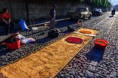 Making Good Friday processional carpet, Antigua, Guatemala Stock Photography