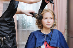 Making a hairstyle Royalty Free Stock Photography