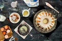 Making Iced Cinnamon Bundt Cake Stock Photography
