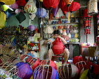 Making lanterns with silk fabric in Hoi An Herritage Village Royalty Free Stock Photos