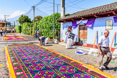 Making Lent carpets, Antigua, Guatemala Royalty Free Stock Photography