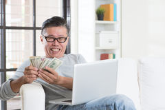 Making money from online business Royalty Free Stock Image