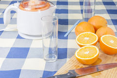 Making orange juices Royalty Free Stock Photography