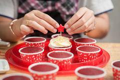 Making red velvet cupcakes Royalty Free Stock Image