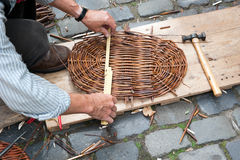 Making a wicker basket Royalty Free Stock Photos