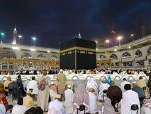 Makkah Arabia Saudyjska, Marzec, -, 2018: Muzułmańscy pielgrzymi przy Kaaba w Haram meczecie mekka, Arabia Saudyjska zdjęcie royalty free