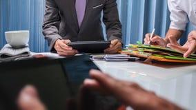 Maklera biznesowy agent nieruchomości pracuje mocno w biurze, cześć Zdjęcie Stock