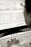 maklera spadać ceny akcyjny dopatrywanie Fotografia Stock