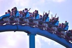 Mako mooie Achtbaan bij Seaworld-Themapark, in Internatonal-Bestuurder Area stock afbeeldingen
