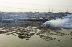 Makoko fiskeslumkvarter i Lagos Arkivbilder
