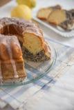 Makowego ziarna cytryny gąbki tort Obraz Stock