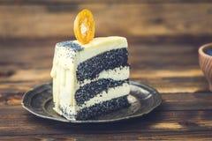 Makowego ziarna tort na talerzu Obraz Royalty Free
