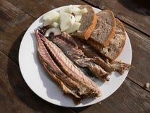 Makreel met brood en ui Royalty-vrije Stock Afbeeldingen