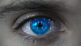 Makro blauer futuristischer HUD-Augenneonplan stockbilder