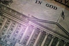Makro- Część wizerunek USA dział skarba budynek z flagą i inskrypcją W bogu dziesięć obrazy royalty free