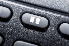 Makro- Czarny fermata guzik Na Czarnym pilot do tv Dla Hifi Stereo Audio systemu fotografia stock
