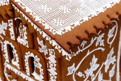 Makro eines Feiertagslebkuchenhauses Lizenzfreies Stockbild