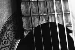 Makro- gitara akustyczna sznurki Obrazy Royalty Free