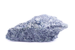 Makro- kopalina kamień Dumortierite na białym tle Fotografia Stock