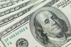 Makro nah oben von Ben Franklin-` s Gesicht auf den US 100 Dollar Lizenzfreie Stockfotografie