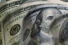 Makro som är nära upp av framsida för Ben Franklin ` s på USA 100 dollar Royaltyfria Bilder