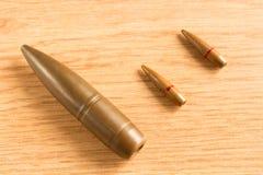Makro- strzał mali i duzi kaliberów pociski Zdjęcia Royalty Free