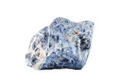 Makro- strzelanina naturalny gemstone Surowy kopalny sodalite, Południowa Afryka Przedmiot na białym tle Zdjęcia Stock